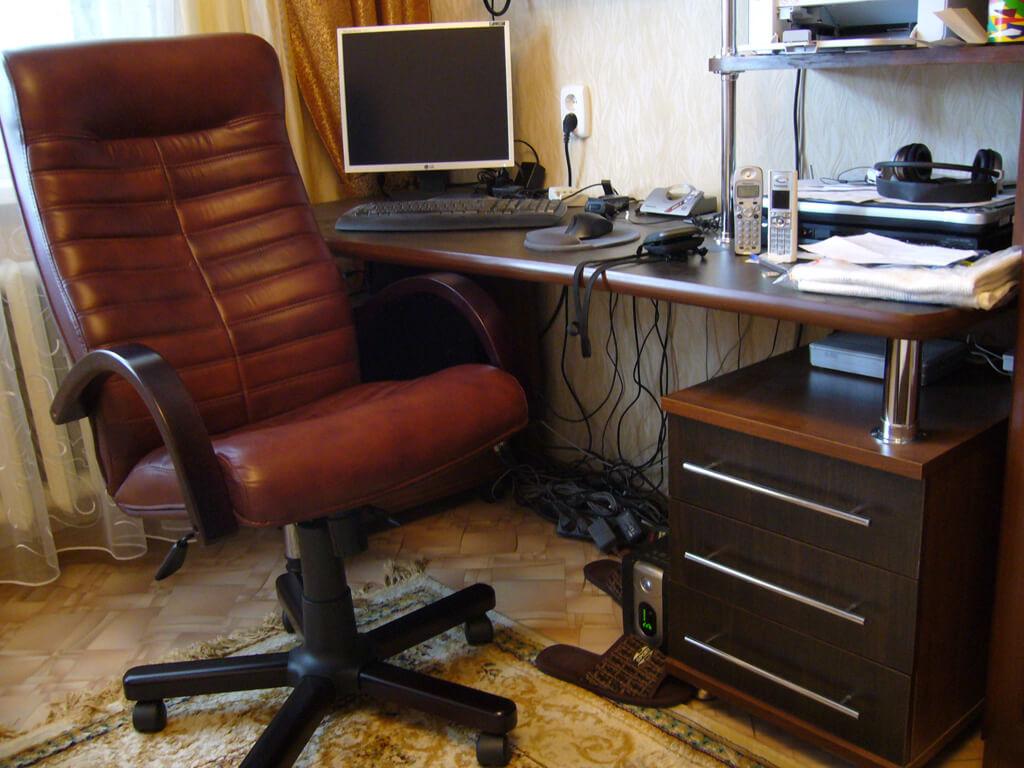 Стул в подарок к компьютерному столу