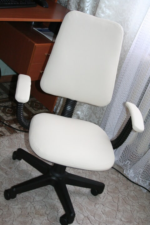 Как перетянуть компьютерный стул своими руками6